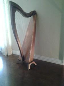 dusty_strings_harp